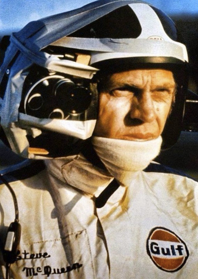 Steve McQueen with a full cam , during the shooting of the 1971 film 'Le Mans'.