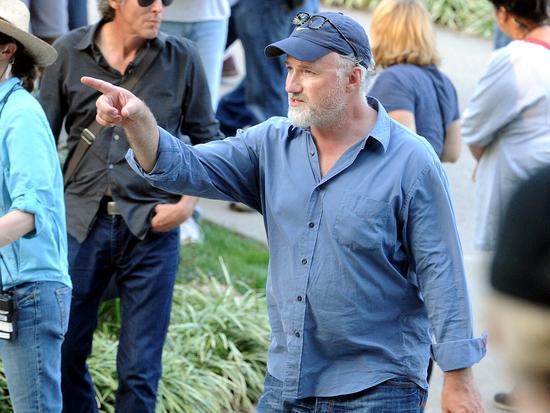 David Fincher on the set of 'Gone Girl' (image: Laura Simon)