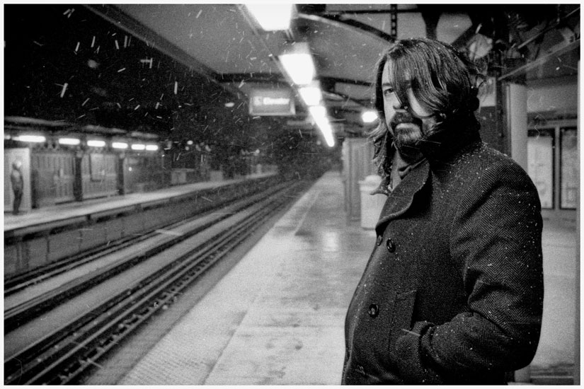 Dave Grohl on subway platform. Photographer: Kenny Stoff