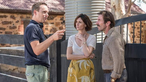 Director Jim Loach with Paz Vega (centre) and Antonio De La Torre on the set of his new film (image: SMH).
