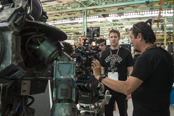 Director Neill Blomkamp and DoP Trent Opaloch shooting with a RED Epic on the set of Chappie (image: Sony Pictures).