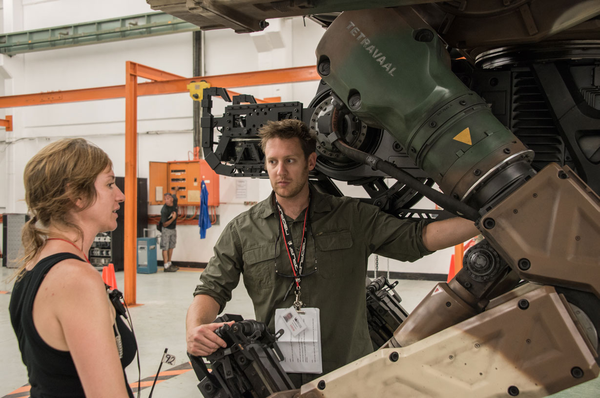 Neill Blomkamp on set (image: Sony Pictures).