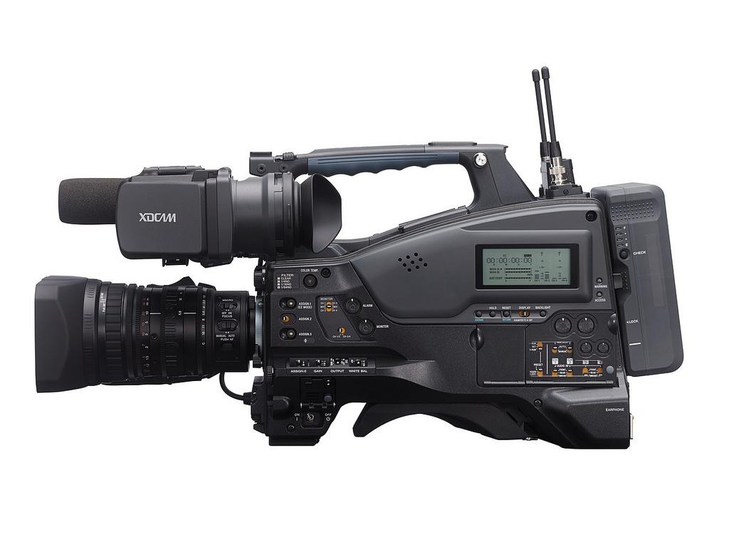 PXW-X320-side