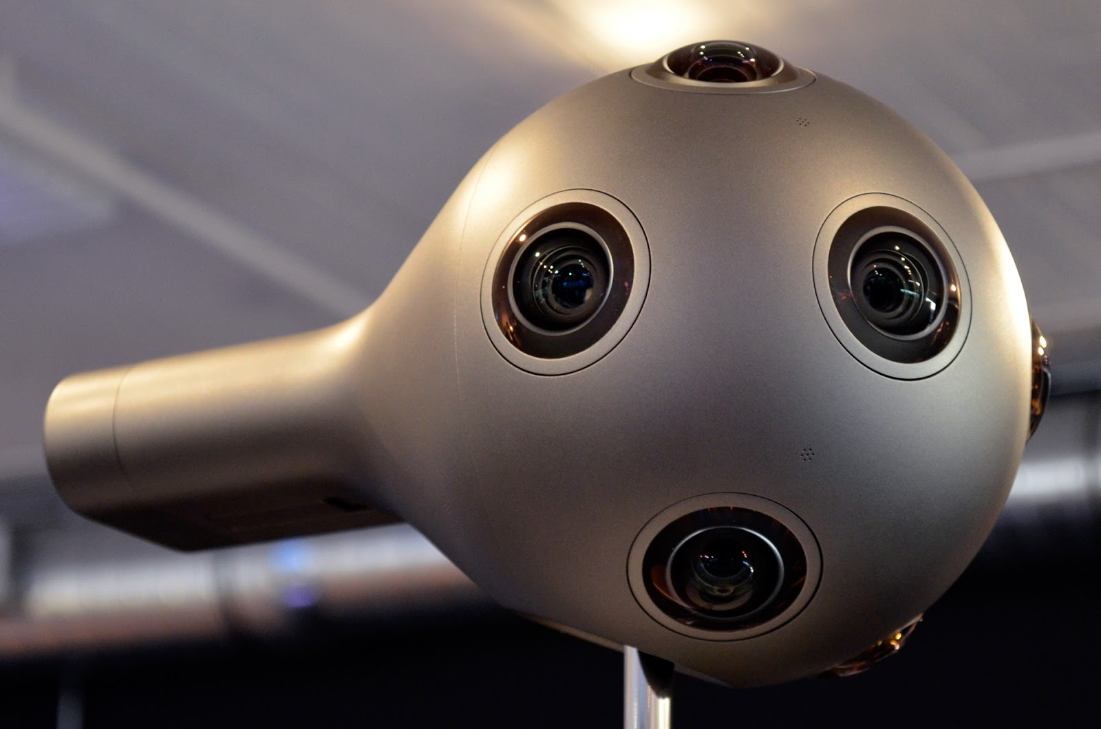 nokia-ozo-close-side